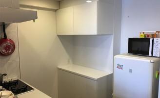 大阪のマンションにてオーダーメイドの食器棚を設置いたしました