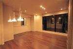 キッチンのカウンター下をオーダー家具で一体感のある空間に