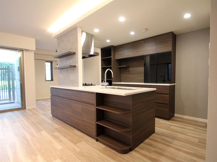 新築マンションのサンクレイドル茨木下中条の食器棚をキッチンと合せて製作しました